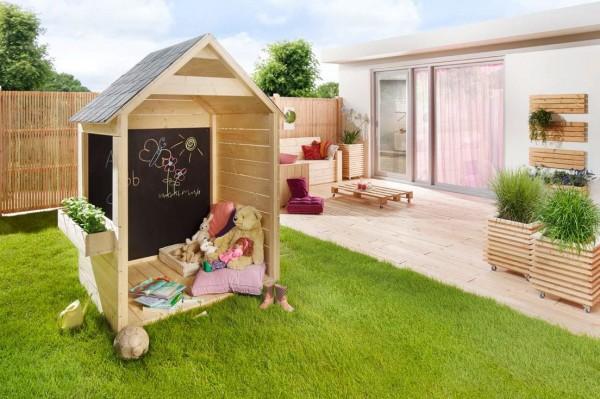 Kinderspielhaus Jakob mit Kreidetafel Prestige Größe 154x141